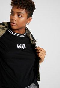 Ragged Jeans - GAIN TEE - T-shirt print - black/white - 3
