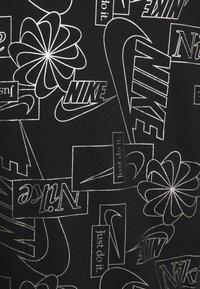 Nike Sportswear - ICON CLASH PLUS - T-shirt con stampa - black - 2