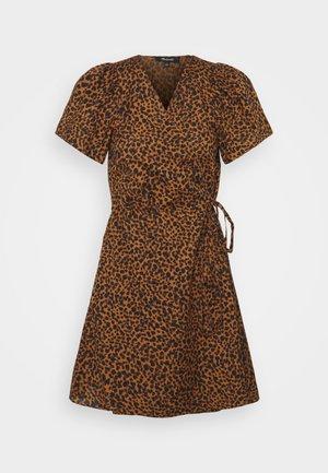 WRAP DRESS IN LEOPARD - Day dress - brown