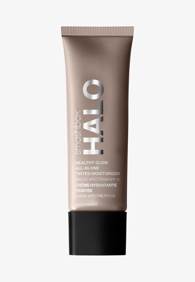 Smashbox - HALO HEALTHY GLOW ALL-IN-ONE TINTED MOISTURIZER SPF25  - Tinted moisturiser - 4 light neutral