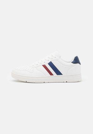 HAYWARD 3.0 - Sneakers laag - white/red