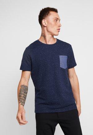 JPRTEXTURE TEE CREW NECK  - Print T-shirt - navy blazer