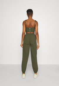 Missguided - SPORTING CLUB JOGGER - Tracksuit bottoms - khaki - 2