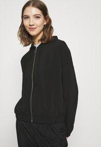 Vero Moda - VMCOCO HOODIE - Summer jacket - black - 3