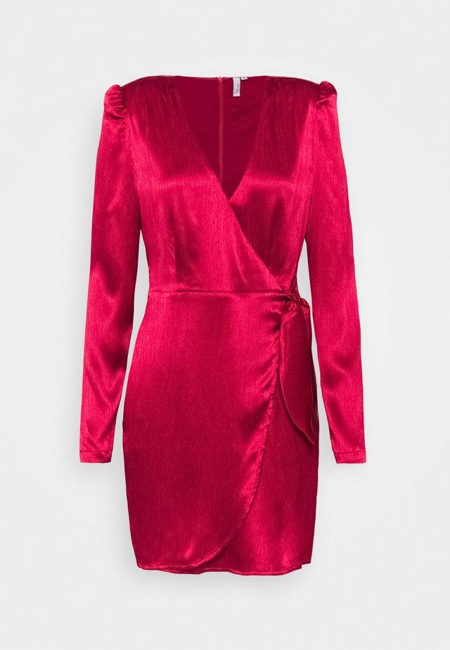 TIE WRAP DRESS - Vestido de cóctel - red