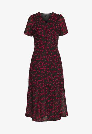 BUTTON FRONT TIERED HEM MIDI TEA DRESS - Robe chemise - black/red