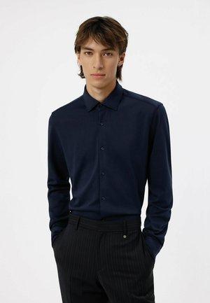 KENNO - Formal shirt - dark blue
