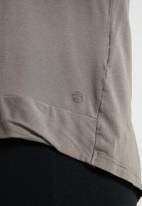 Deha - MANICA LUNGA - Long sleeved top - elephant gray - 4