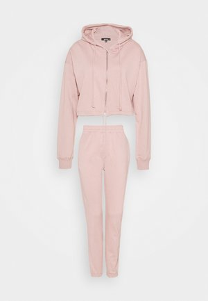 CROP ZIP HOODY JOGGER SET - Zip-up hoodie - pink