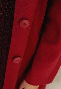 Falconeri - MIT SICHTBAREN STEPPNÄHTEN - Classic coat - rot - rouge - 3