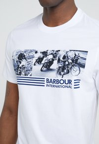 Barbour International - COMP TEE - Print T-shirt - white - 4