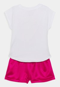 Nike Sportswear - GRAPHIC SET - Triko spotiskem - fireberry - 1
