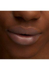 MAC - LUSTREGLASS LIPSTICK - Lipstick - mars to your venus - 3