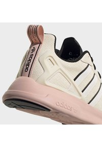 adidas Originals - SPORTS INSPIRED SHOES - Trainers - linen/core black/vapour pink - 6
