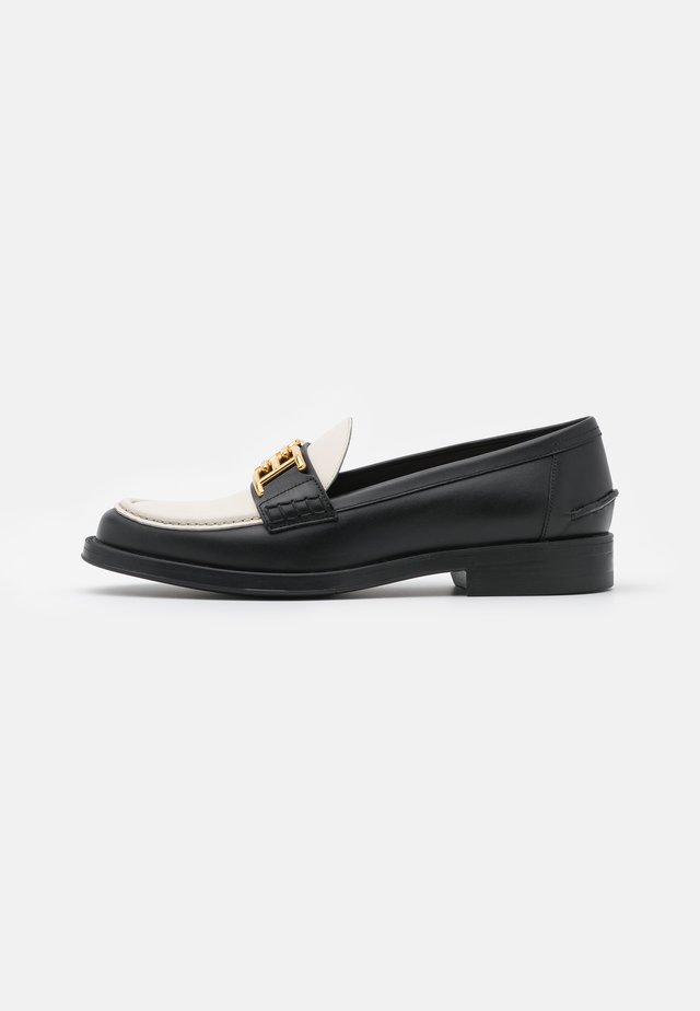 ERCILIA FLAT - Loaferit/pistokkaat - black