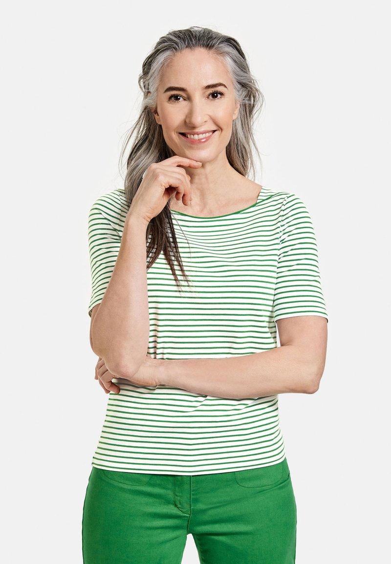 Gerry Weber - 1/2 ARM - Print T-shirt - ecru/weiss/grün ringel