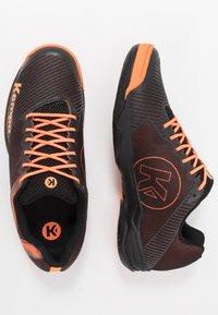 Kempa - WING 2.0 - Håndboldsko - black/fluo orange - 1