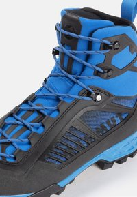 Mammut - TAISS TOUR MID GTX® MEN - Mountain shoes - black-dark gentian - 5