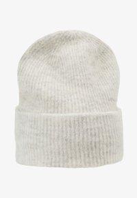NOR HAT - Lue - white