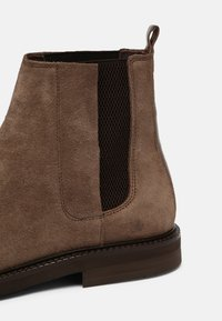 Hudson London - FINLAY - Classic ankle boots - almond - 5