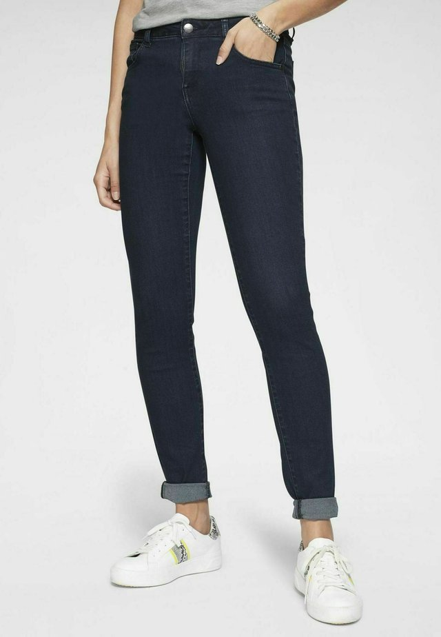 Slim fit jeans - rinsed washe