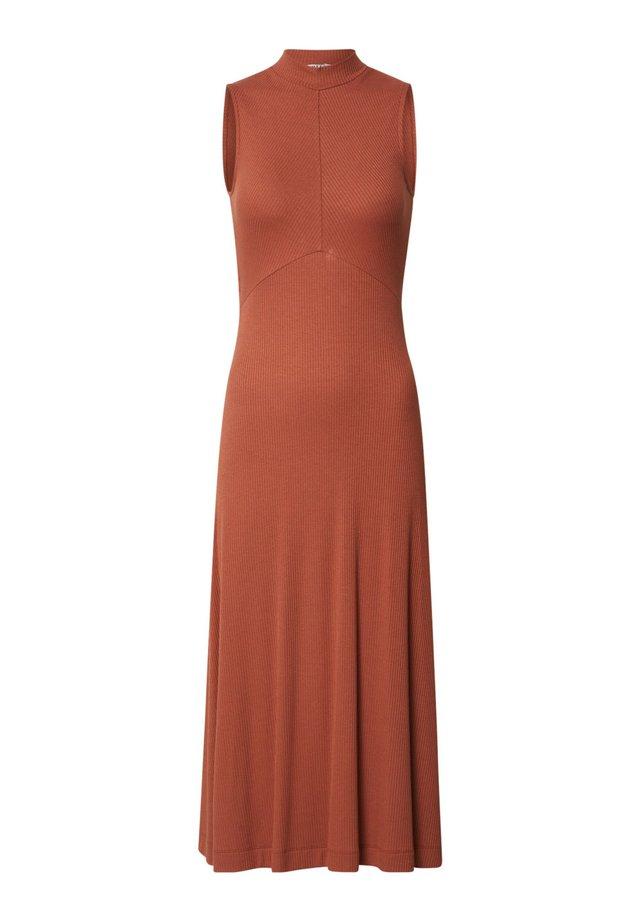 TALIA - Jumper dress - braun