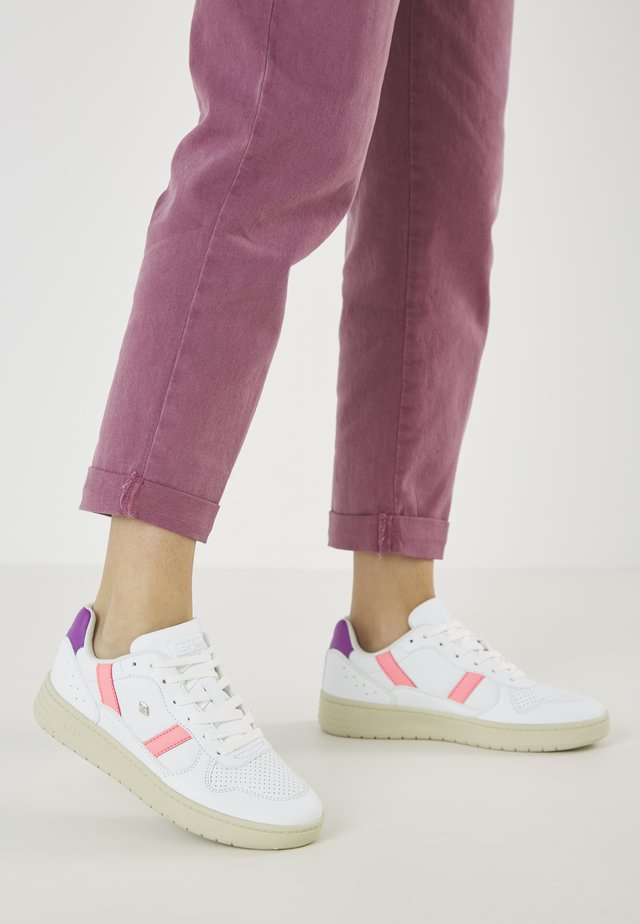 RAWW - Sneakersy niskie - white/neon peach/purple