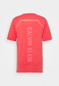 Calvin Klein Performance - SEAMLESS - Sportshirt - safari rose - 1