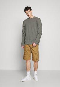 Esprit - Shorts - camel - 1