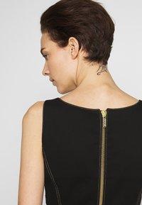 Versace Jeans Couture - LADY DRESS - Denimové šaty - nero - 4