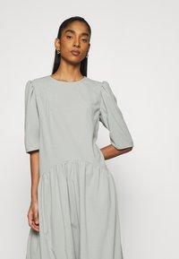 Missguided - CURVED WAIST SMOCK DRESS - Maxi dress - khaki - 3