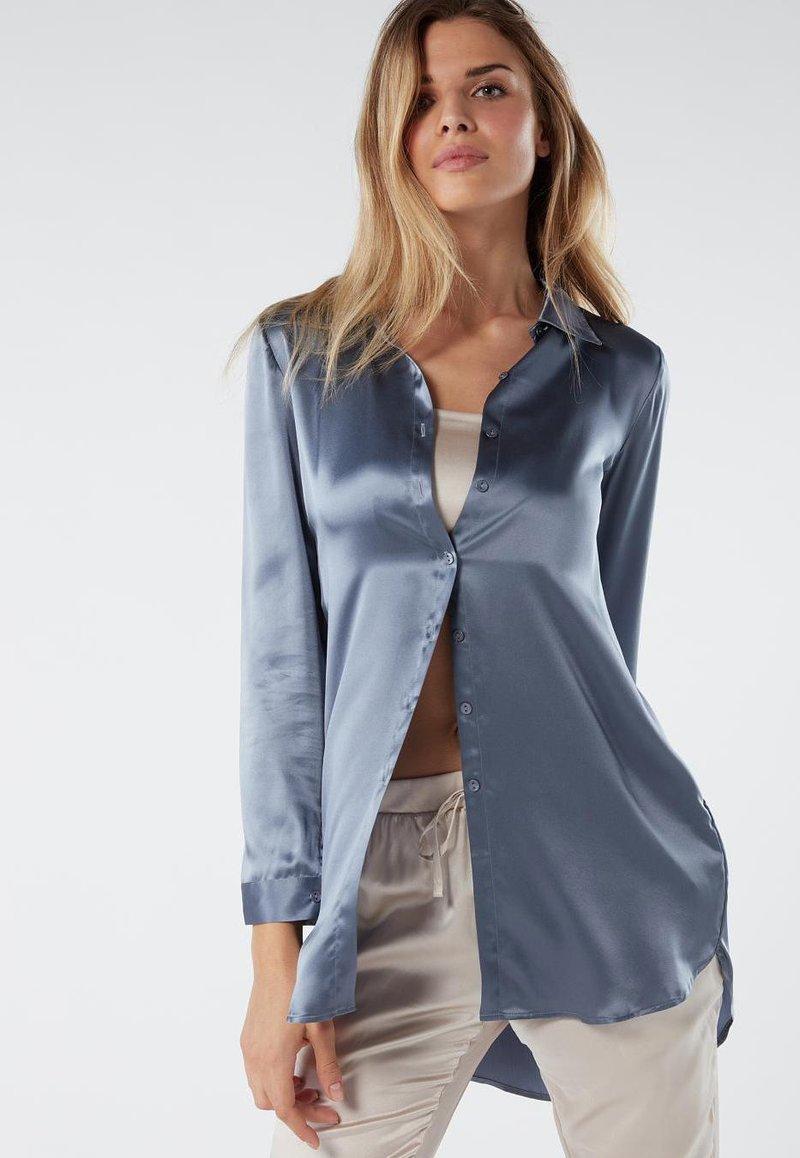 Intimissimi - BLUSE AUS SEIDE MIT KLASSISCHER MANSCHETTE - Pyjama top - blue