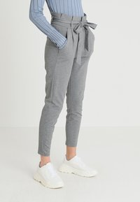 Vero Moda - VMEVA LOOSE PAPERBAG PANT - Tygbyxor - medium grey - 0