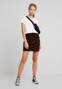 Pieces - PCCORDY SKIRT BUTTON - Mini skirt - coffee bean - 1