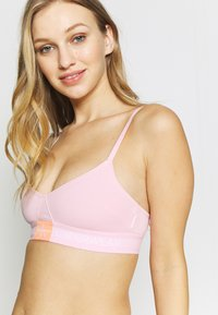 Calvin Klein Underwear - MONOGRAM UNLINED TRIANGLE - Bustier - prarie pink - 3