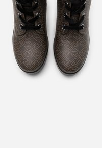 Liu Jo Jeans - NOW  - Botines de tacón - brown - 5
