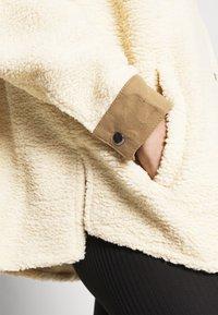 H2O Fagerholt - CHECKET PILE JACKET - Zimní kabát - beige - 4
