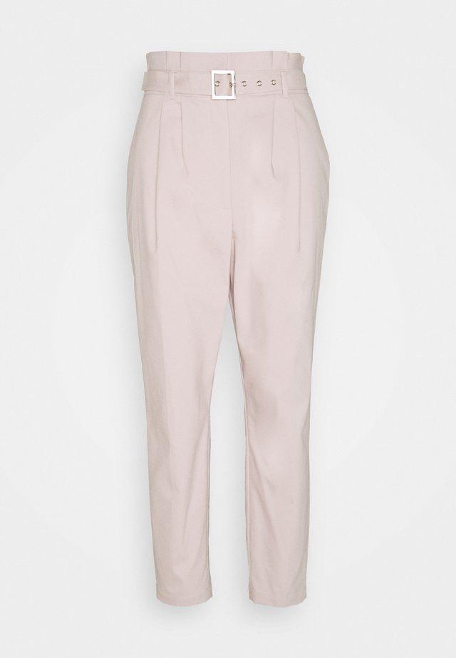 LUCJAT - Spodnie materiałowe - tan