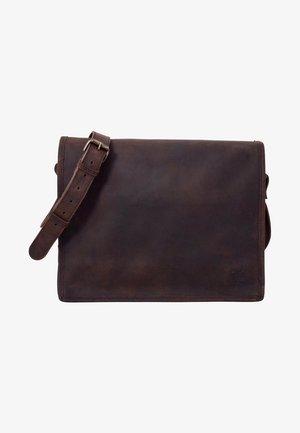 Taška spříčným popruhem - dark brown