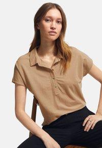 comma - Polo shirt - sahara - 4