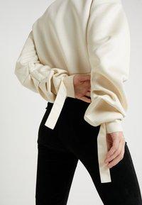 Patrizia Pepe - Sweatshirt - statue white - 6