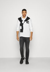 The North Face - FINE TEE  - Long sleeved top - white/ black - 1