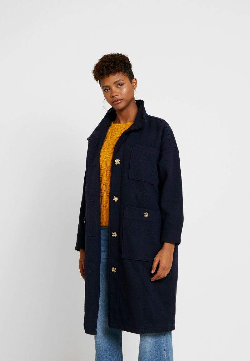 Monki - WILLY COAT - Zimní kabát - navy