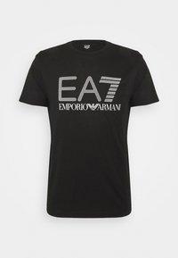EA7 Emporio Armani - T-shirt med print - black/white - 4
