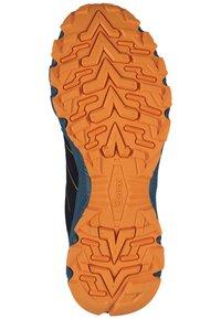 Kastinger - Sneakers laag - black/orange - 4