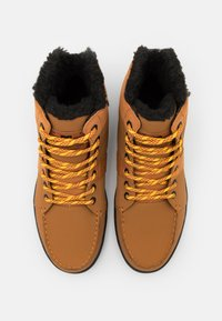 DC Shoes - WOODLAND - Höga sneakers - wheat - 3