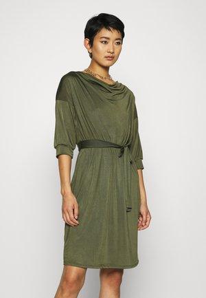 Pouzdrové šaty - khaki