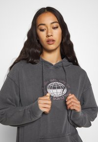 NEW girl ORDER - PLANET WASHED HOODY - Mikina s kapucí - grey - 3