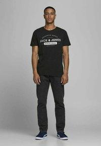 Jack & Jones - 3 PACK - T-shirt z nadrukiem - cloud dancer - 0