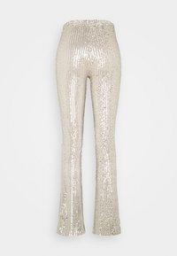 Pieces - PCDELPHIA FLARED PANTS - Pantalon classique - carry over - 1